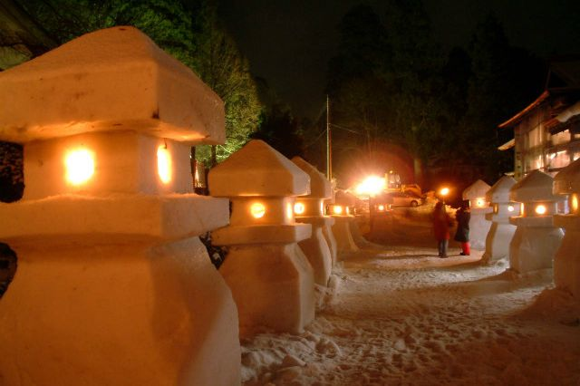 まつり 雪 灯篭